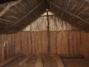 09.- Interior de la cabana gran